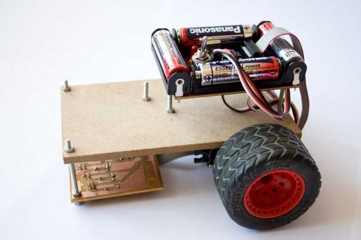 Mi primer robot: robot rastreador