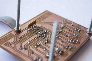 Placa que aglutina los sensores de suelo CNY70